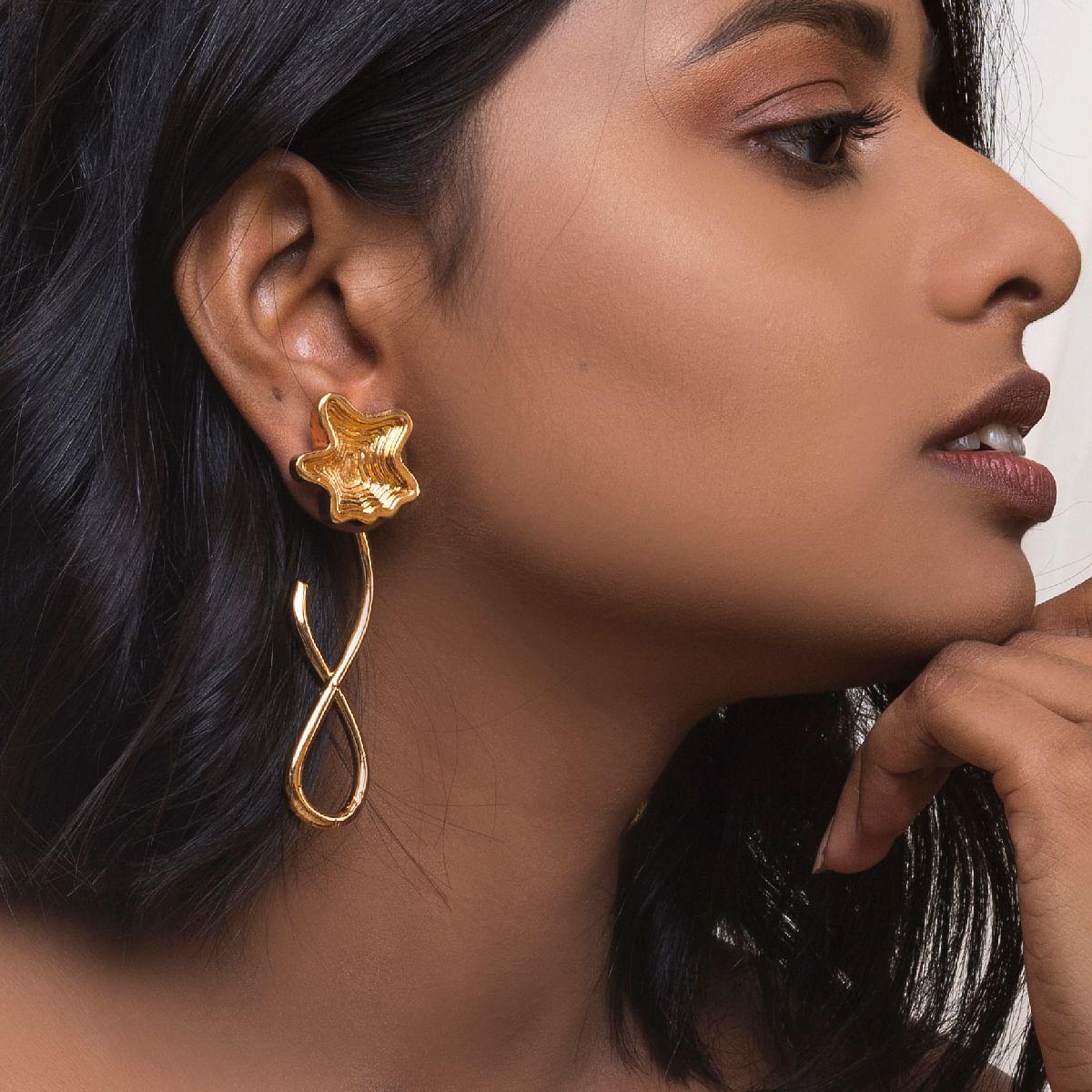 Curvy layered Stud Earrings