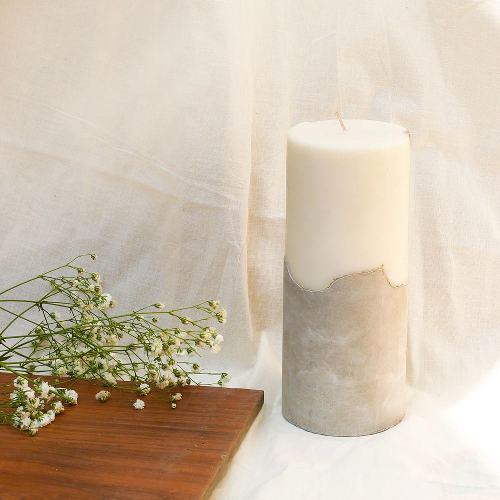 BALANCE: Concrete Pillar Candle